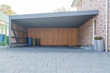 Großer Carport aus Holz