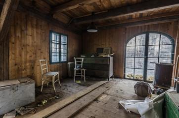 wohnzimmer in alten haus am see
