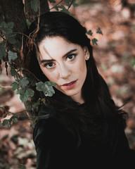 ritratto tra le foglie