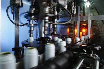 automatische Abfuellanlage für Reinigungsspray