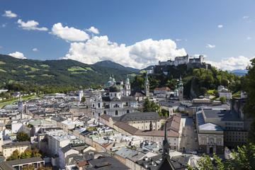 Aussicht vom Mönchsberg auf die Altstadt von Salzburg und die Festung Hohensalzburg