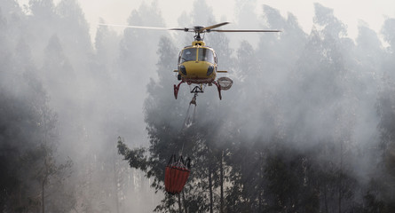 CS-HMI Civil Protection Firefighter Portuguese Helicopter in Action.