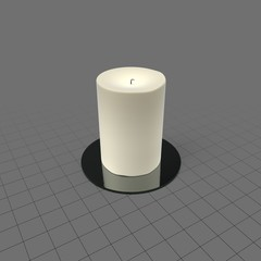 Round candle with holder