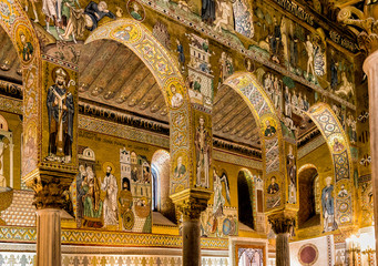 Zelfklevend Fotobehang Palermo Saracen arches and Byzantine mosaics within Palatine Chapel of the Royal Palace in Palermo, Sicily, Italy
