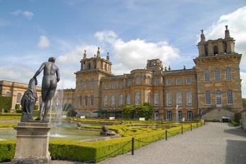 Upper water terrace of Blenheim Palace, United Kingdom Fototapete