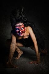 Frau ohne Gesicht in Korsett
