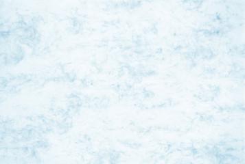Mit hellblauen Aquarell Farben bemaltes Papier