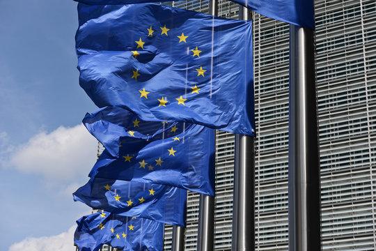 europe drapeau etoile CEE communaute commission parlement europeen  institutions politique Berlaymont Brexit berne deuil