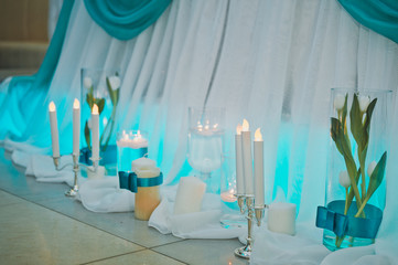 Hall, decorated with white and turquoise fabric 8791.