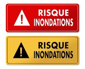 Flood Risk warning panels in French translation