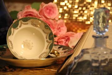 Czas na kawę (porcelana, książka, styl życia, kwiaty)