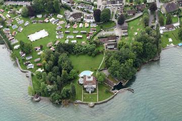 Halbinsel mit Villa und Campingplatz in Steinach am Bodensee