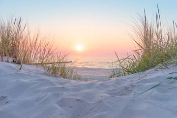 Fototapete - Sonnenuntergang an der Ostsee