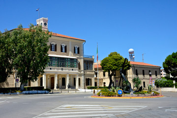 street view of La Maddalena's city with the palace of the admiralty