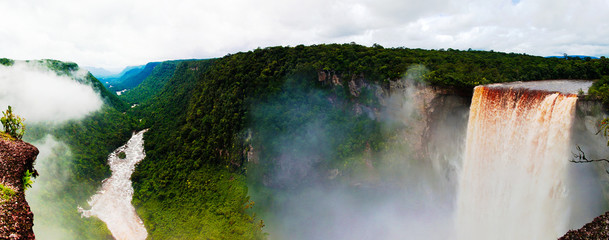 Kaieteur waterfall, one of the tallest falls in the world at potaro river Guyana