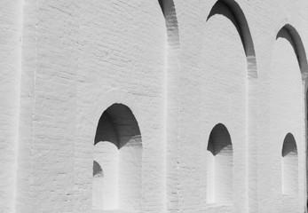арки в стене