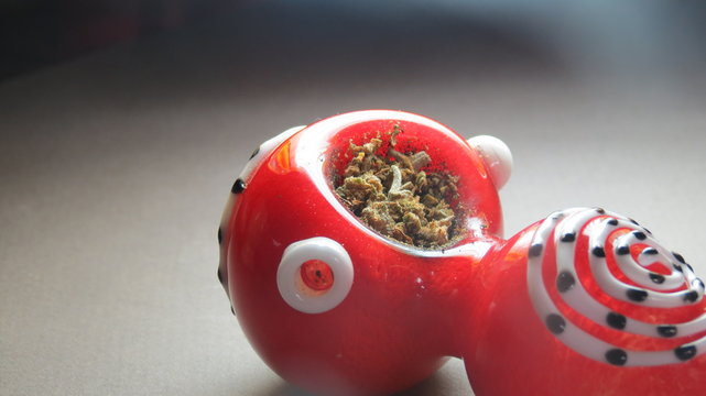 red art glass pipe bowl legal weed