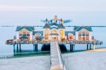 Fototapete - Seebrücke in Sellin auf Rügen