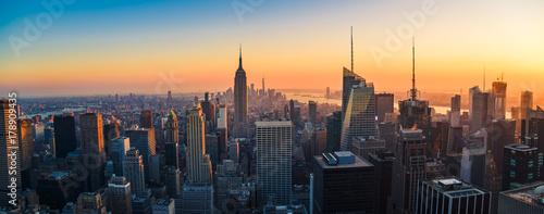 Fototapete Aerial panoramic cityscape view of Manhattan, New York City at Sunset