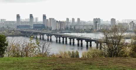 Dnieper Fluss in Kiew (Ukraine)