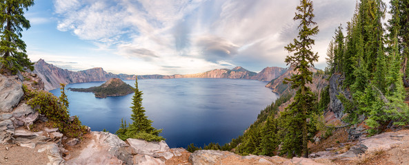 Fotorolgordijn Zalm Crater Lake National Park panorama, Oregon, USA