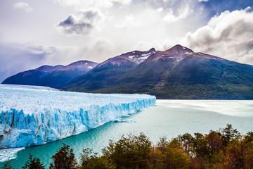 Unique lake and glacier