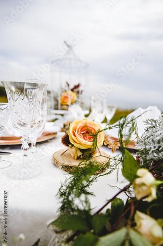 Vintage Style Hochzeit Tischdekoration Mit Rosen Stock Photo And