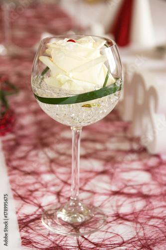 Hochzeitsdekoration Rot Weiss Glitzersteine Herzen Mr Mrs