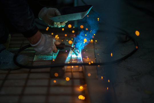 Iron welding, CO2