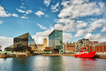 Cityscape of Liverpool, England Fotomurales