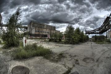 Autocollant pour porte Les vieux bâtiments abandonnés abandoned factory / processing plant sulfur - Poland Tarnobrzeg