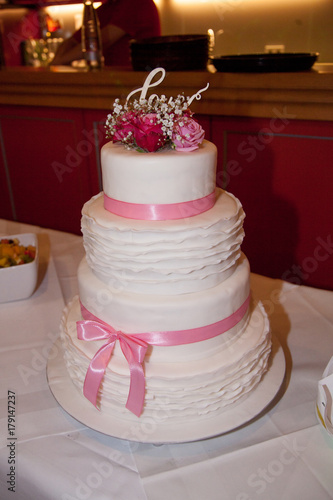 Hochzeitstorte Vintage Stock Photo And Royalty Free Images On