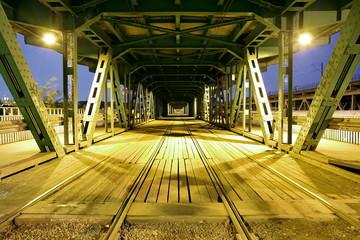 trakcja pod Mostem Gdańskim w Warszawie