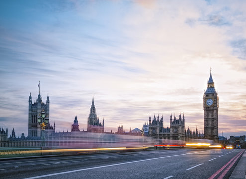 Traffic against Big Ben during twilight - London