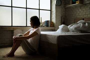 Asian women She is alone And feel lonely