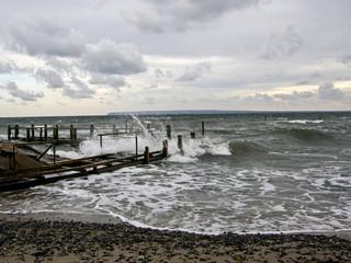 Gischt an der Ostsee am Kap Arkona, Insel Rügen
