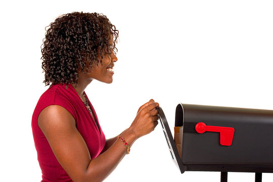 Family: Woman Opens Mailbox To Get Mail