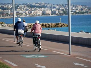 vélos sur voie cyclable