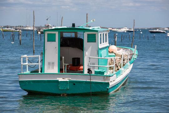 Bassin d'Arcachon 72 - Bateaux de pêche dans  Port Ostréicole du Canon