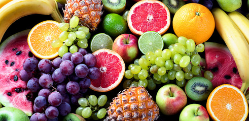 Zelfklevend Fotobehang Vruchten Organic fruits. Healthy eating concept. Top view