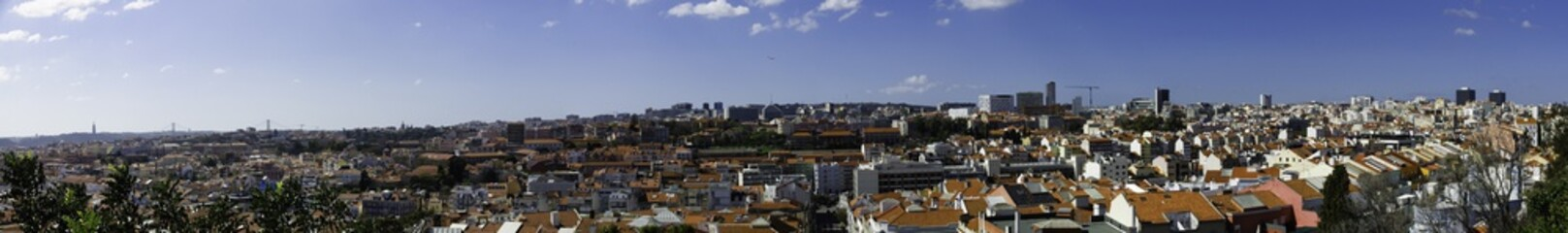 Spoed Foto op Canvas Tokyo Panoramic view over Lisbon, seen from Miradouro do Monte Agudo