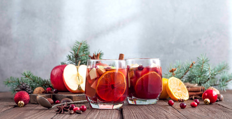 Sangria with Apple, cranberry and orange