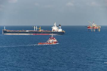 Cargo boat offshore field
