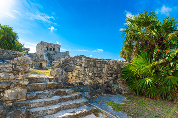 Poster Ruine Temple ruins in Tulum of the Ancient Maya Archeological Site in Yucatan, Riviera Maya, Mexico