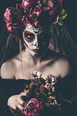 muertos in the dark