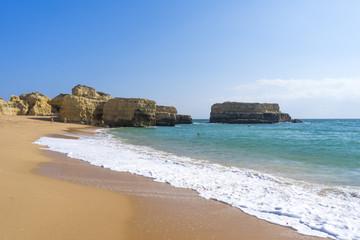 Einsamer Strand an der Algarve