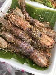 Stir fried crayfish with garlic.