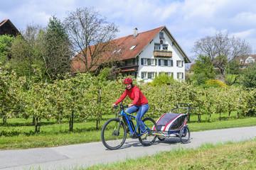 Ausflug mit E-Bike und Buggy