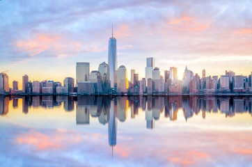 Wall Mural - Manhattan Skyline with the One World Trade Center building at twilight