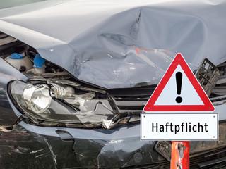 Haftpflicht Autounfall Schild Verkehrsunfall